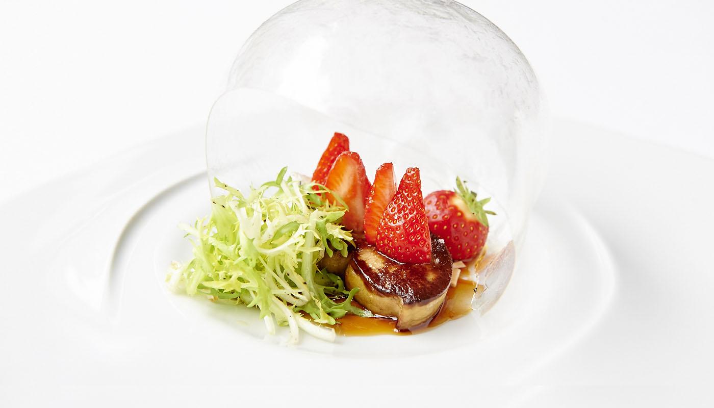 Plat gastronomique foie gras poêlé